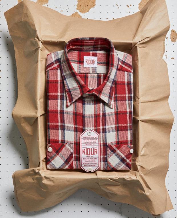 boite kidur chemise à carreaux rouge
