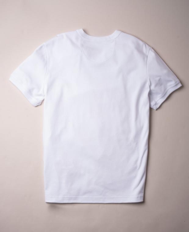t-shirt blanc vu de dos