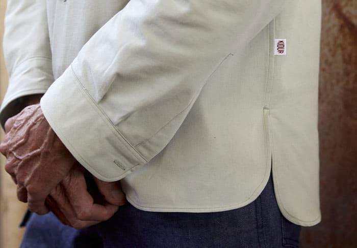 étiquette Kidur sur le bas de la chemise Blaise Alfalfa